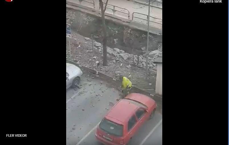 Sprängning skadade flera bilar i Järfälla