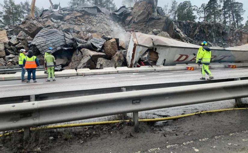 """Trafikstopp efter sprängningar: """"Allt har fallit som dominobrickor"""""""